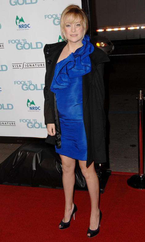 Kate Hudson Looks Pregnant